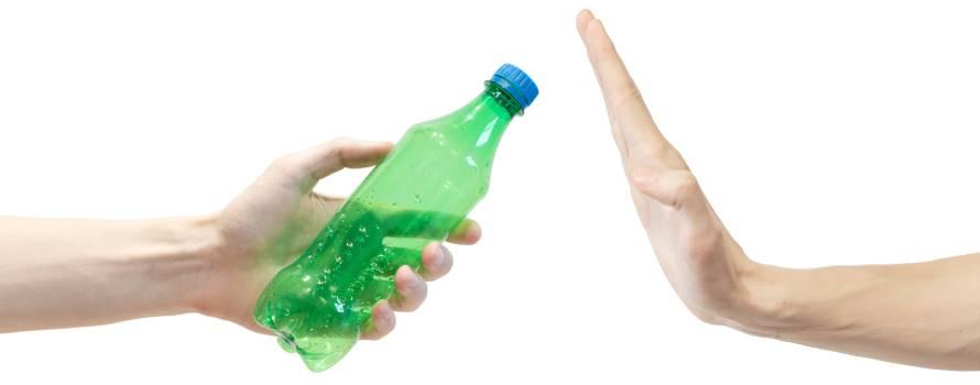 la riduzione di plastica aiuta l'ambiente